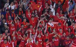 国足逆转泰国挣脱耻辱柱 果然奇迹的颜色唯有中国红