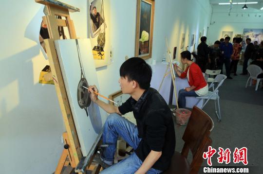 岸艺术家携手v起点零起点启发式名学教学法_大同高中排油画图片